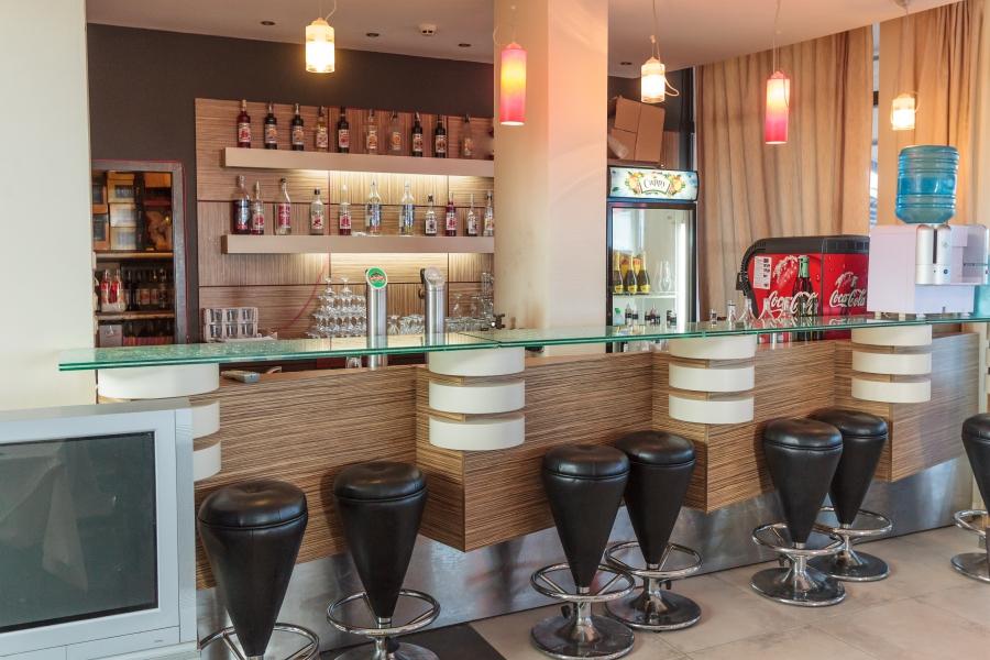 Meridian hotel bar
